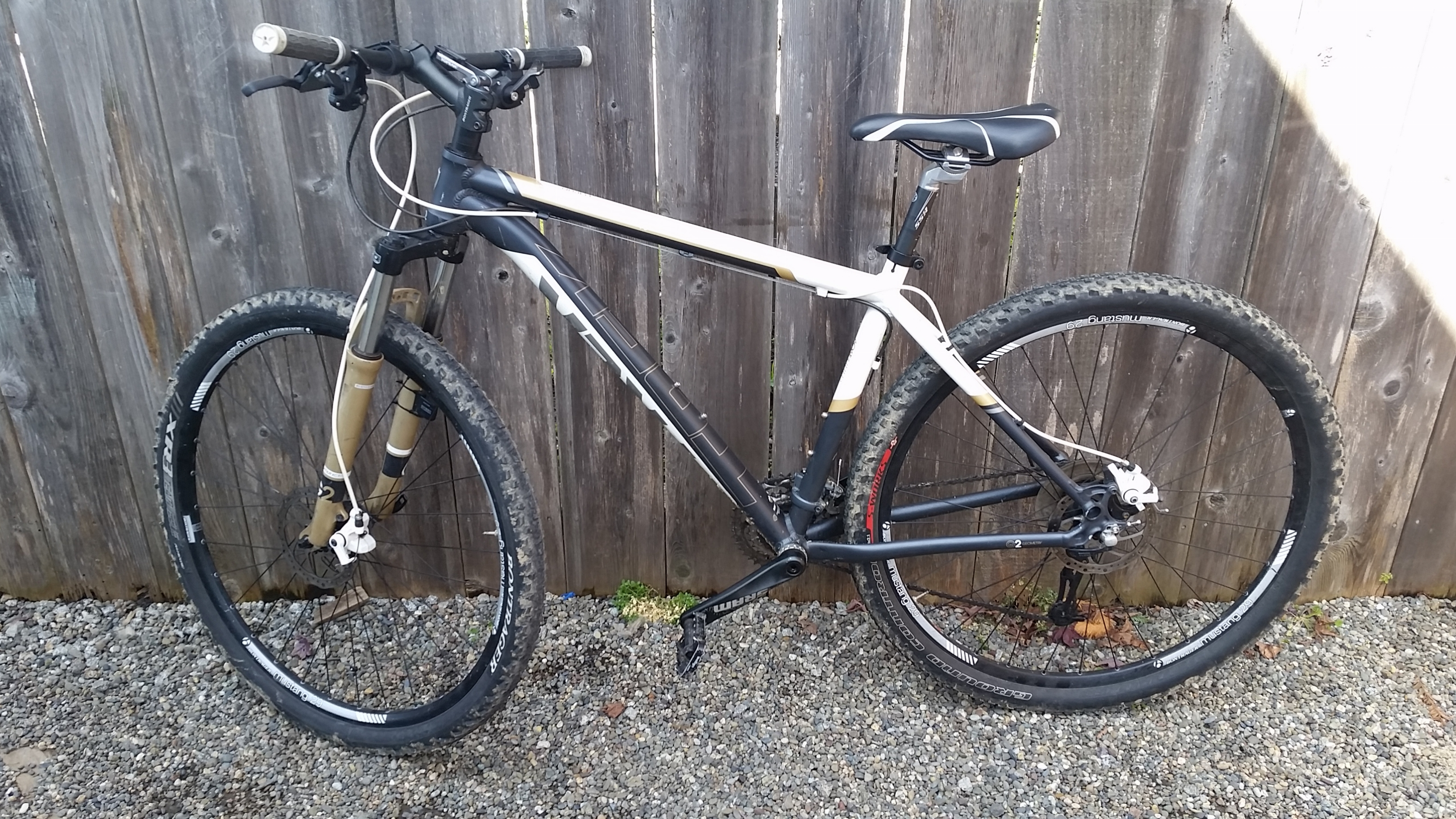 835655ab201 Donor Bike: 2013 Trek Marlin 29er with Mechanical disc brakes (160mm)